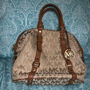 Michael Kors Bedford satchel w/matching zip wallet